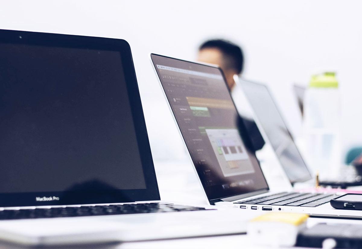Wyposażenie pracowni komputerowej